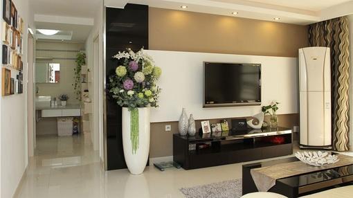 客厅石膏板电视背景墙装修效果图欣赏