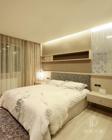 主卧床头柜效果图_适合懒人的卧室精致小桌子床头柜装修效果图